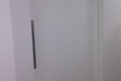 Porta embutida em parede